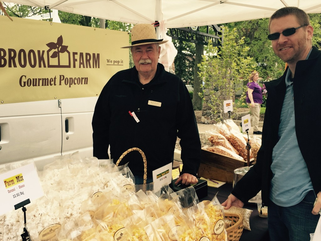"""Jeremy getting his popcorn from Rich Brook of Brook Farm. And then there was all that """"Butter Toffee"""" corn. Yummmmm."""